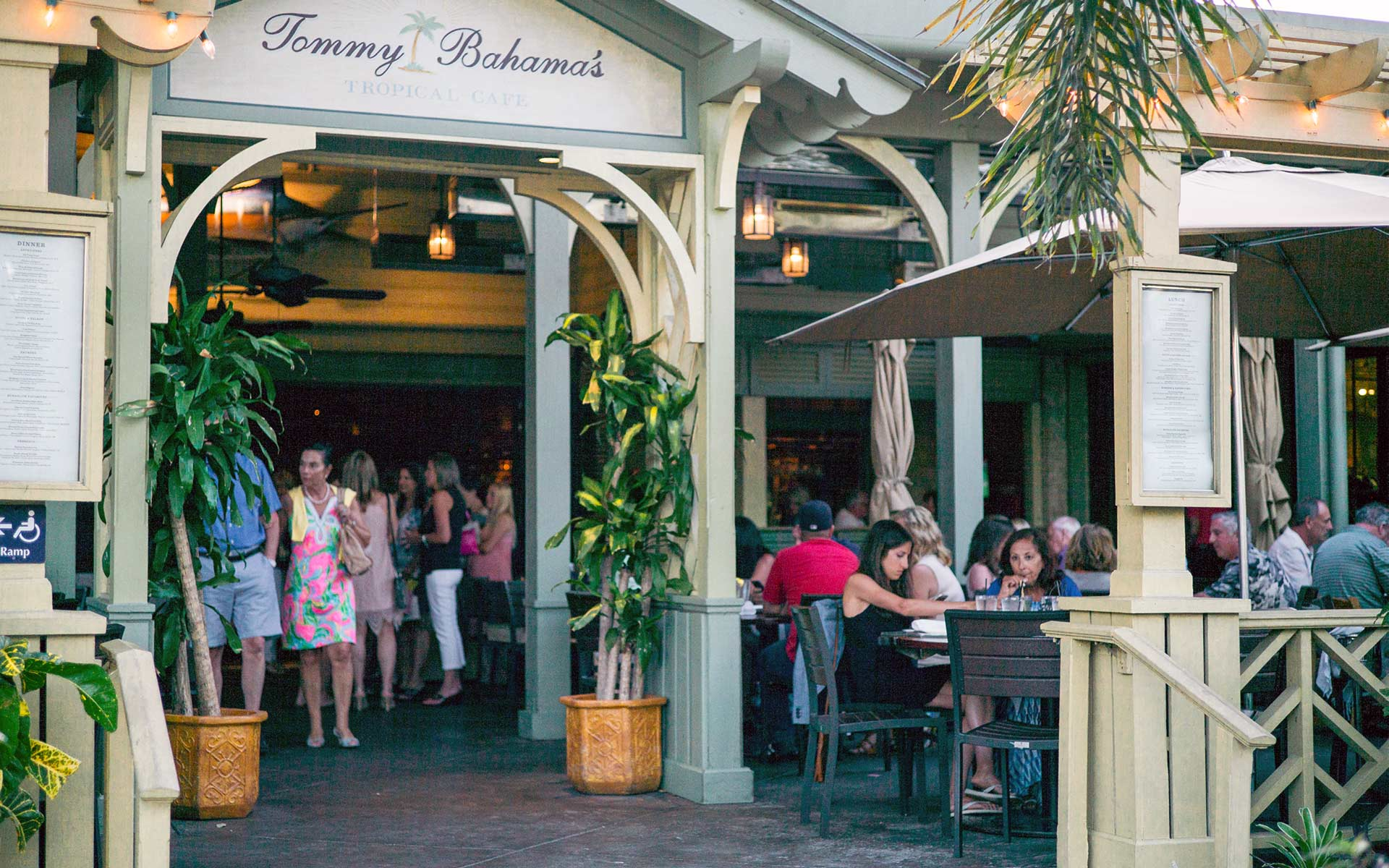 Tommy Bahama Restaurant Bar Third Street South
