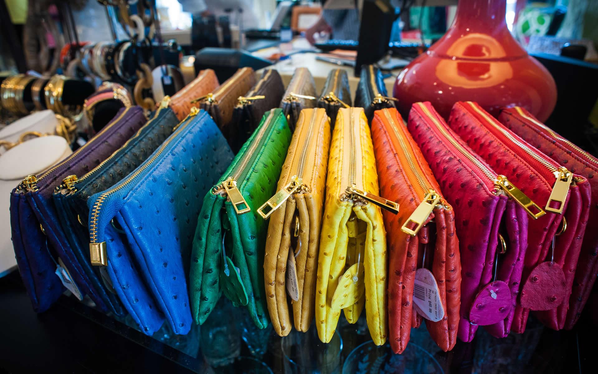 A Mano-purses